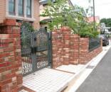 レンガと鋳物門扉の外構 市川市
