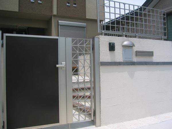 YKKap シンプルモダンシリーズの門扉とフェンス 市川市 写真