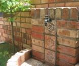 レンガとタイルのオリジナル立水栓