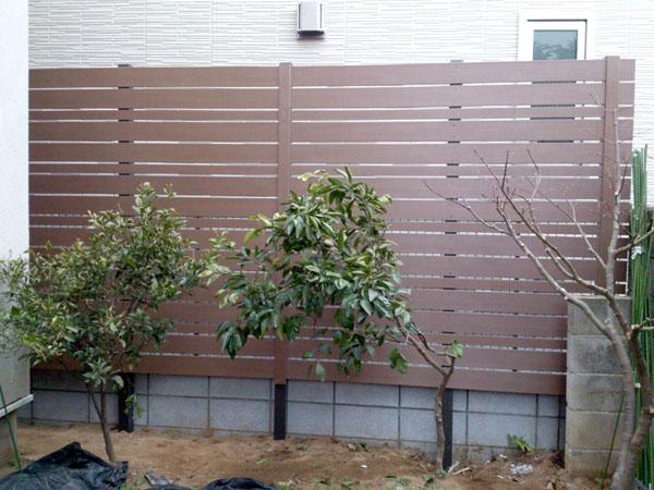 ディーズガーデン アルファウッド 庭の目隠しフェンス 千葉県市川市 写真