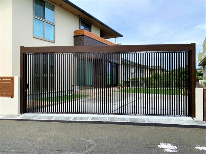 セキュリティーにも優れ、デザイン性のあるライアーレを使った外構 @松戸市 写真